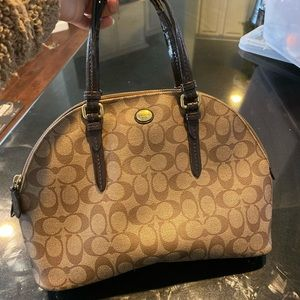 Coach handbag very pretty